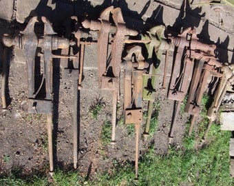 8 Antique blacksmith's Leg vices, Wrought Iron, post vises farrier, forge use