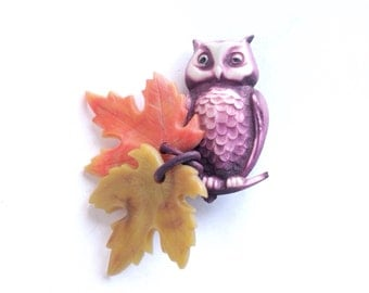 Vintage brooch, celluloid owl and maple leaves, 1940s 1950s mid century dangle pin, fall colors, autumn jewelry, purple, orange, plastic