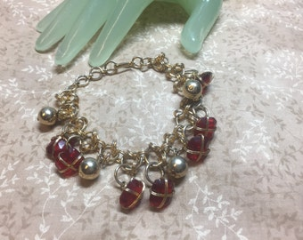 "Vintage 8"" Goldtone Chain Deep Red Glass Charm Beaded Bracelet INDIA"
