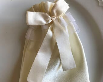 Ivory bridal pouch, Satin pouch, Bridal gifts, Bridal bags, Bridesmaids gift, Jewelry bag, ivory bridal bag
