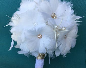 Bridal Bouquet, Feather Wedding Bouquet, White/Ivory Bouquet, Vintage Wedding, Brooch Bouquet, Gatsby Wedding, Alternative Wedding Bouquet,