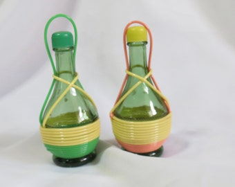 Vintage Glass Chianti Bottle Salt and Pepper Shakers