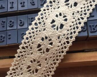 Sale 10 Yards Exquisite Beige Cotton Lace Trims 1.37 Inches Wide