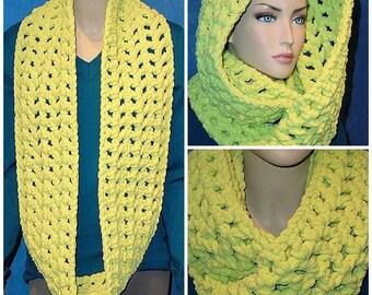 Neon Green Crochet Infinity Scarf, Chunky Infinity Scarf, Green Infinity Scarf, Plush Infinity Scarf, Crocheted Infinity Scarf, Green Scarf