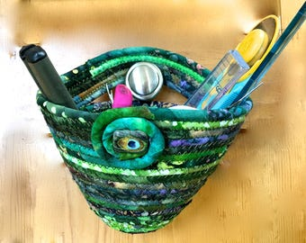 Door Knob Organizer  Coiled Rope Clothesline Basket  Quilters Easter Basket  Hanging Door Organizer  Green Scrappy Quilting  Key Holder