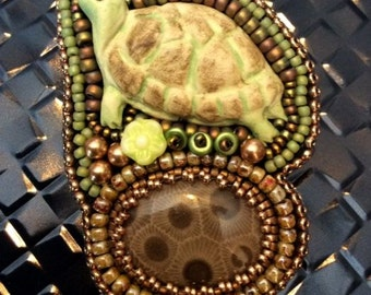 Turtle Pendant/Pin, Turtle Pin,Turtle Pendant, Light green turtle,Petoskey Stone,Porcelain Turtle,Turtle Necklace,Amy Johnson Designs,NX1518
