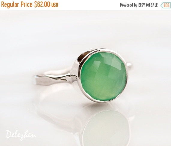 FLASH SALE - Mint Green Chrysoprase Ring Silver - Solitaire Ring - Stackable Stone Ring - Sterling Silver Ring - Round Ring - Gemstone Ring