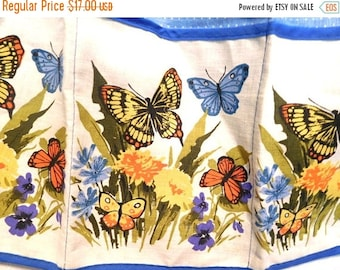 ON SALE Vintage 60s Apron Floral Butterflies Kitchen  4 pocket Bright & Beautiful! Chef Crafter