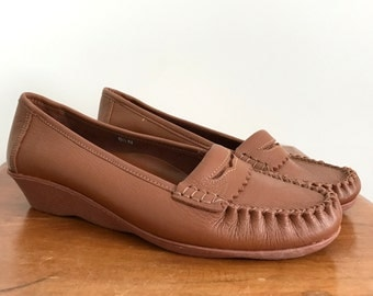 NOS caramel Famolare penny loafers US 6.5 N