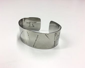 "Zig Zag Cuff - Etched Stainless Steel - 1"" wide"