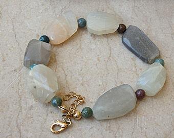Green jade bracelet, Raw stone bracelet, Beaded jade bracelet,Natural stone, Mineral bracelet, Chunky gem bracelet, Mixed gem boho bracelet