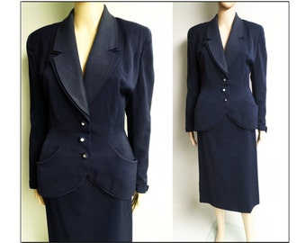 Vintage 1940s Suit//Designer//40s suit//World War - Era// WWII-era//Navy Blue//