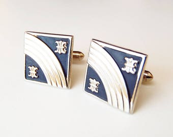 Silver Tone & Black Swank Cuff Links Square Plaques with Art Deco / Heraldic Inspired Midcentury Design—Vintage Late 1950s Cufflinks