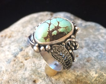Antique-looking Turquoise Ring