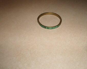 vintage bracelet bangle goldtone green swirl glass