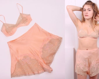 RESERVED for ELIZABETH*** Vintage 1930's Peach Silk and Ecru Lace Lingerie Set • 30's Bralette and Tap Pants Set with Bow Detail • Size XS
