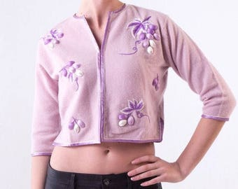 Lilac Purple Grapes Cashmere Cardigan Sweater 1950's Cropped Spring Sweater 50's