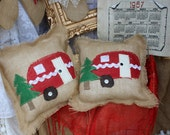 Red burlap camper pillow with Christmas tree / vintage Christmas glamer pillow / glamping / gift / burlap and lace decorative pillow eO15