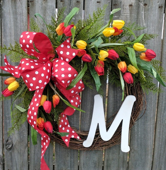 Spring Wreath, Door Wreath for Spring, Tulip Wreath, Polka dot Wreath, Wreath with Red and yellow Tulips, Wreath, Easter Wreath, Gingham