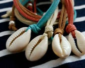 Cowrie Necklace, Cowrie Choker,Faux Leather Cowrie Necklace, Layering Layered Necklace, Beach Necklace, Summer Jewellery