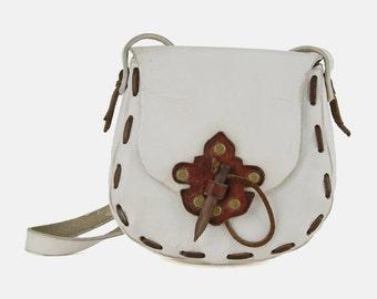 WHITE Leather SADDLE Bag Purse Vtg 70's STUDDED Shoulder Distressed Dot Stitch Appliqué Wooden Dagger Boho Hippie Southwestern Handbag