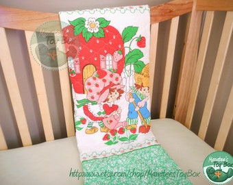 Strawberry Shortcake Blanket: Vintage 1980s Gardening with Huckleberry Pie Green Quilted