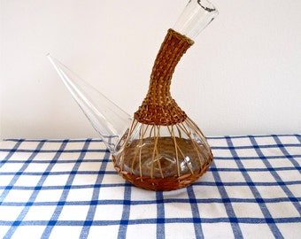 Spanish Wine bottle in straw Wrapping - Picnics - Barbecues  - July 4th- french Catalonia - Spanish Decanter - Pourou - Spanish carafe