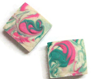 Thai Dragonfruit Solid Shampoo Bar. Organic Hair Shampoo, Chemical Free ,Paraben and Sulfate Free