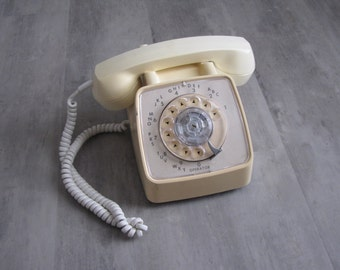 Vintage Cream GTE Rotary Phone