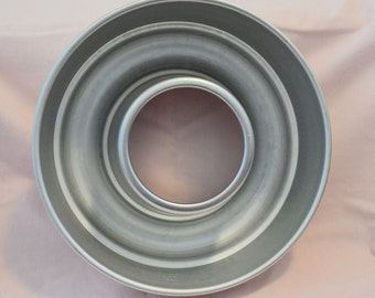 Vintage Mirro Aluminum Jello Mold Cake Pan 6.5 Cups