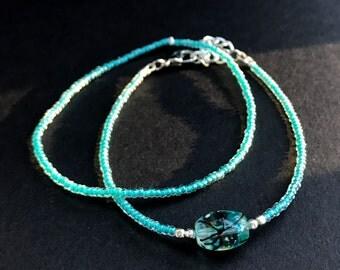 Teal seed bead glass bead bracelet