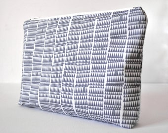Unisex grey tiny mountain triangles print padded cosmetics travel make up pouch in grey and white XL extra large size.
