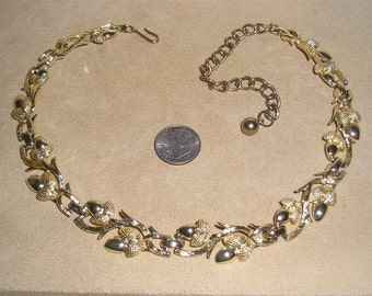 Vintage Gold Tone Acorn Choker Necklace 1950's Jewelry 1018