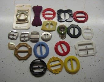 Lot Of 21 Vintage Plastic & Metal Belt Buckles