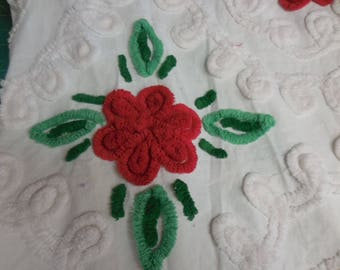 """WHITE Curliques and RED ROSES Vintage Chenille Bedspread Fabric - Bright Red Roses on White Curliques Chenille Fabric - 25"""" X 30"""" - #1"""