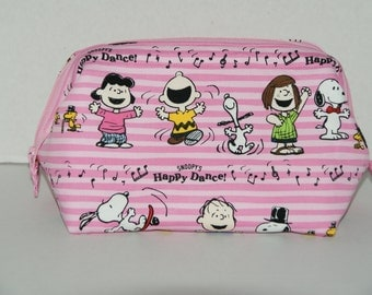 """Wire Frame Zipper Pouch With Pocket / Padded Cosmetic Bag Made with Japanese Cotton Oxford Fabric """"Snoopy Happy Dance - Pink"""" Size Large"""
