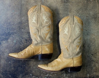 8 1/2 M Tawny Western Boots / Women's Cowboy Boots / Vintage Leather Shoes