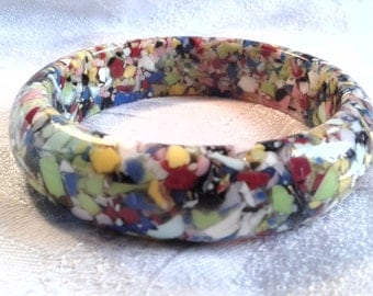 Vintage Confetti Lucite Resin Bangle, Large Size, 60s? Possibly Earlier.