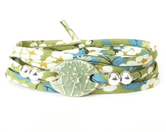 Spring green clay charm bracelet with textured grass print, 30th birthday gift for nature lovers, unique jewellery made in the UK