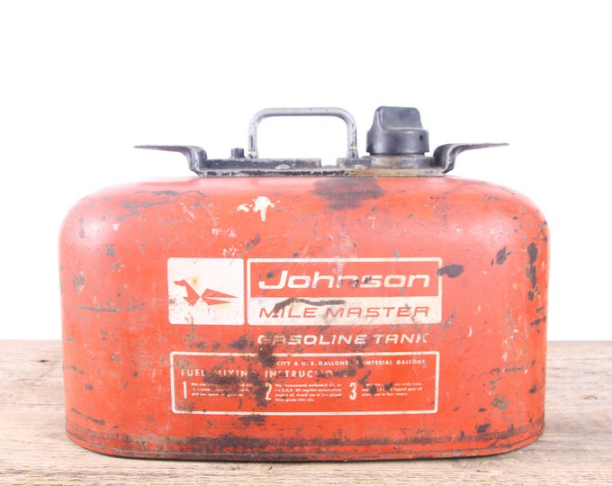 Vintage Johnson Mile Master 6 gallon Portable Metal Fuel Gas Tank / Red Antique Gas Can / Large Metal Garage Decor / Automotive Collectible