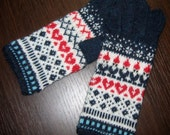 Hand knit elves and hearts gloves. Christmas gloves. Estonian warm gloves. Wool mittens. Navy blue, white, red.