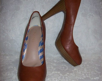 Vintage Ladies Brown High Heel Pumps by Maurices Size 7 Only 8 USD