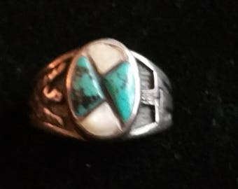Vintage Sterling silver Turquoise Mother of Pearl Native American Hopi ring