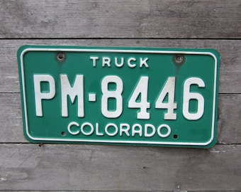 Vintage License Plate COLORADO Vintage 1990s Truck Green & White Distressed Aged Patina Car Auto Hot Rod Rat Rod Lady Den Man Cave Sign VTG