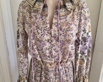 Vintage 1970s Women's Lavender Tan Floral Long Sleeve Boho Dress XS S