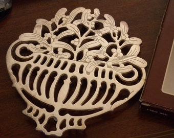 """Unique Trivet signed PIERO MAESTRI Italy-""""Four SeasonFOUR SEASON"""" ~ Winter"""" -silverplate //Crafted in Italy"""
