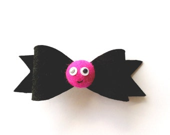 Googly eyes face hair clip / fun hair barrette / hot pink and black accessories / cute gifts for girls