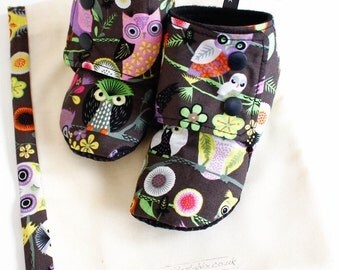 Baby booties, stay on slippers/boots, grey owls, 9-12m gender neutral / unisex winter boots