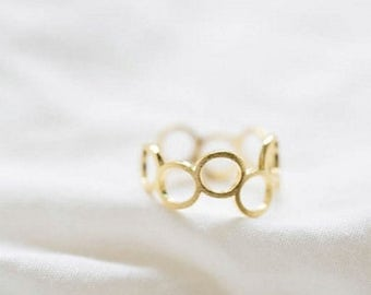 SALE spring clean 50% CIRCLES ring >> gold all around ring << all around awesome that is