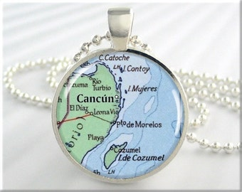 Cancún Map Pendant, Resin Charm, Cancún Mexico Cozumel Map Necklace, Picture Jewelry, Map Necklace, Round Silver, Gift Under 20 (692RS)